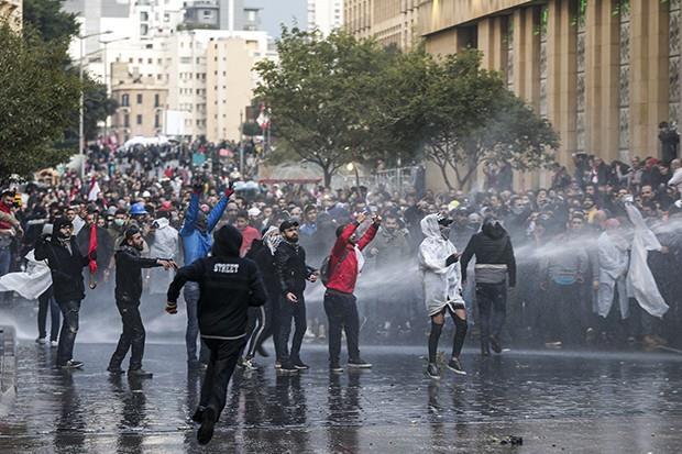 """La montée des tensions sociales en Algérie reflète un système """"non viable"""" qui se perpétue"""""""