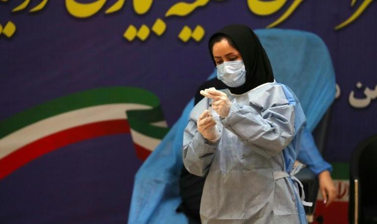 خبير في الشؤون الإيرانية يبرز لميدي1 سياق انطلاق حملة التلقيح ضد كوفيد-19 في إيران