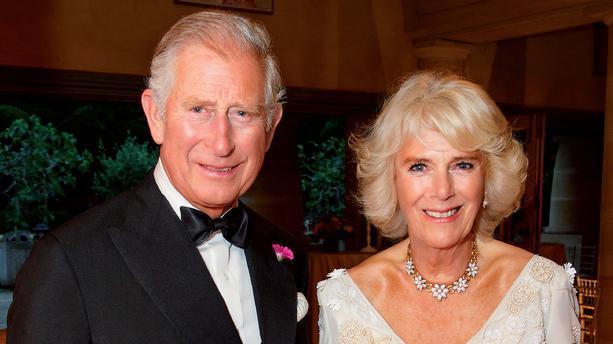 Le prince Charles et son épouse vaccinés contre le Covid-19