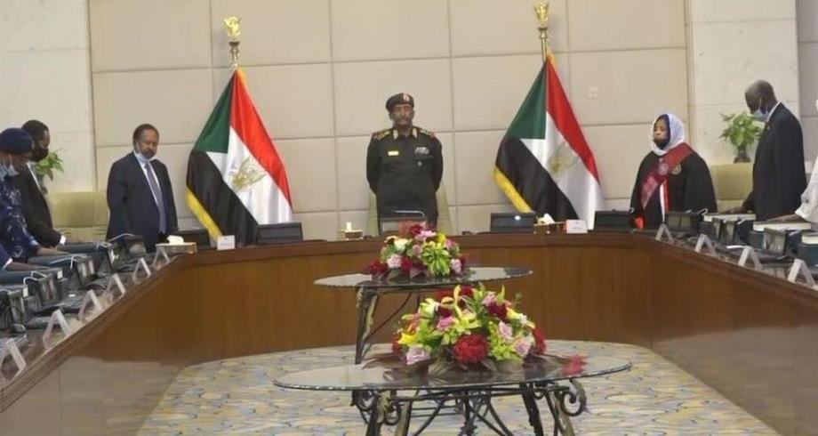 أعضاء الحكومة الانتقالية السودانية الجدد يؤدون اليمين الدستورية