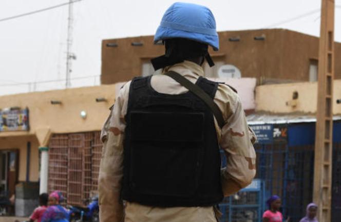 Mali: attaque contre un camp de Casques bleus, une vingtaine de blessés