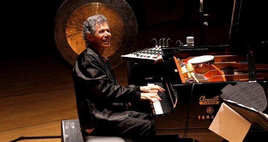 وفاة عازف البيانو الشهير تشيك كوريا عن 79 سنة