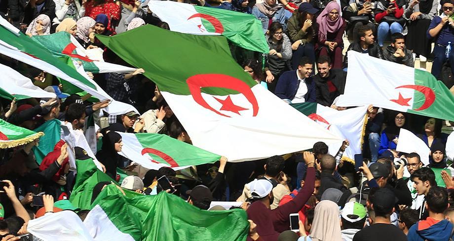 تحليل...تدهور الأوضاع الاقتصادية والاجتماعية يؤجج الشارع الجزائري