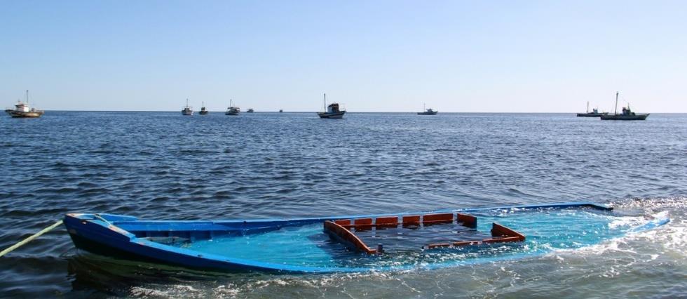 Un mort et 22 portés disparus après le naufrage d'un bateau d'immigrés irréguliers en Méditerranée