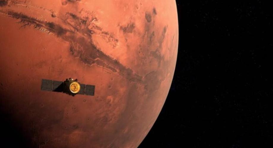 """مسبار """"الأمل"""" يرسل أولى صوره عن المريخ"""