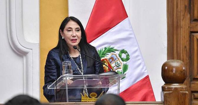 البيرو .. استقالة وزيرة الخارجية على خلفية تلقيح مسؤولين ضد كورونا قبل السكان