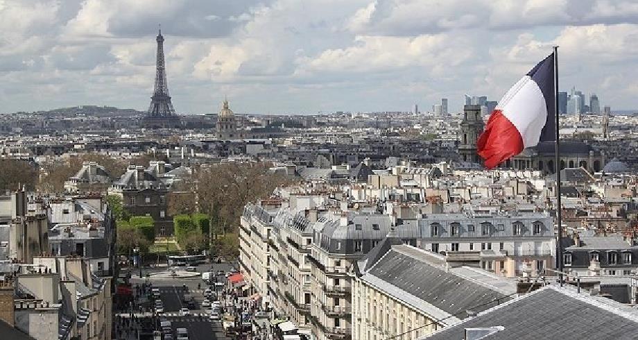 الحكومة الفرنسية تمدد صرف الإعانات الاستثنائية للعمال في وضعية هشة