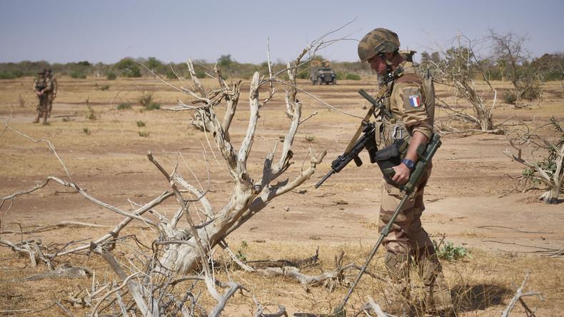 """Sahel: Macron annonce la fin prochaine de l'opération """"Barkhane"""""""