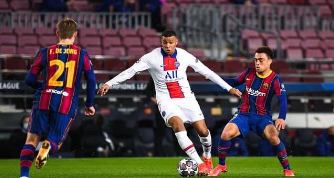 Le Paris SG gifle Barcelone (4-1) en 8e, avec un triplé de Kylian Mbappé