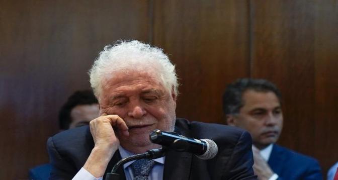 الأرجنتين .. استقالة وزير الصحة بسبب تجاوزات في حملة التلقيح ضد كورونا