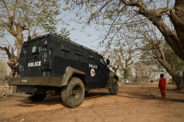 Nigeria: des hommes armés tuent un inspecteur de police et blessent d'autres officiers