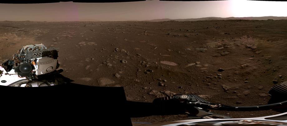 """ناسا"""" تنشر أولى مشاهد لحظة نزول مركبة """"برسفيرنس"""" على كوكب المريخ"""""""