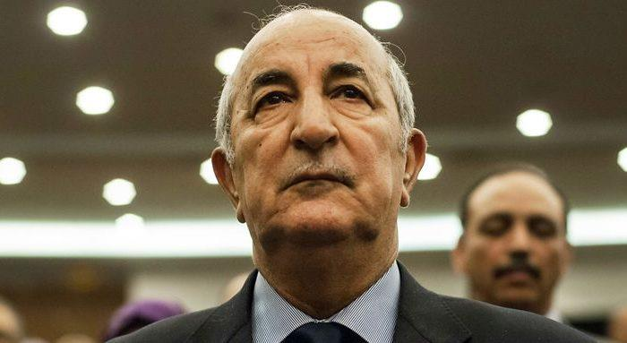 """Remaniement ministériel en Algérie, la classe politique évoque """"un non-événement"""""""