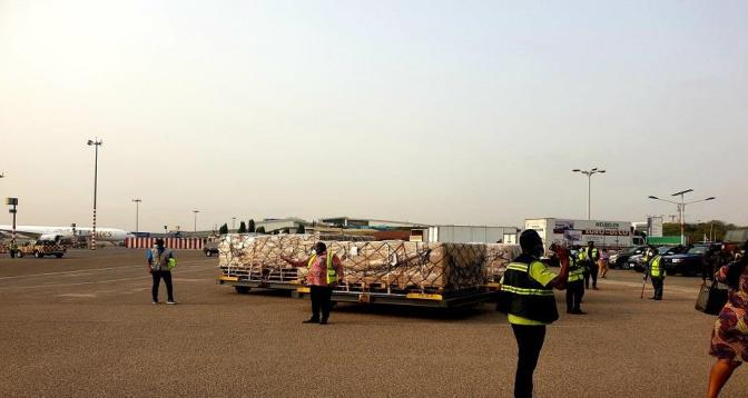 Le Ghana reçoit la première livraison mondiale de vaccins gratuits Covax