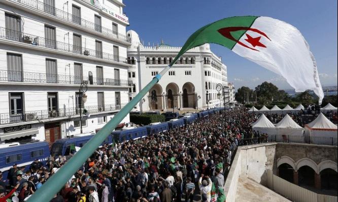 الجزائر: هل تؤشر مظاهرات الطلبة لعودة زخم مظاهرات الحراك الشعبي الذي توقف بفعل الجائحة؟