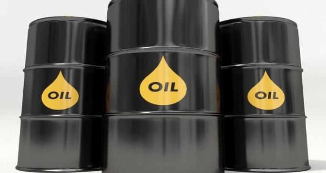 النفط يواصل الارتفاع ويقترب من أعلى مستوى في 13 شهرا
