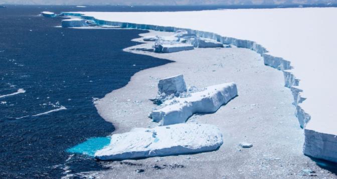 Un immense iceberg de la taille de Londres s'est détaché de l'Antarctique