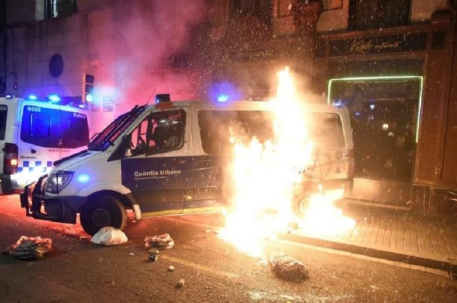 Catalogne: nouveaux heurts après l'arrestation du rappeur Hasél