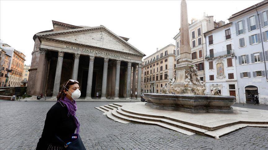 Covid: l'Italie passe la barre des 100.000 morts