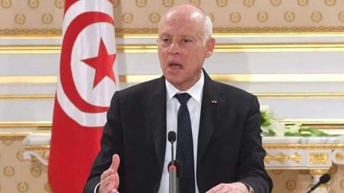 الرئيس التونسي قيس سعيد يعلن تعليق عمل البرلمان