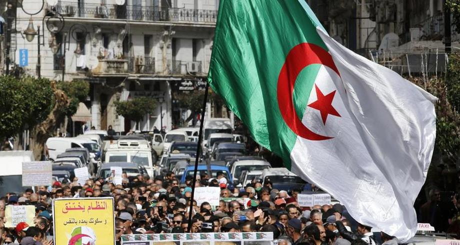 Algérie: les soldats du feu en colère