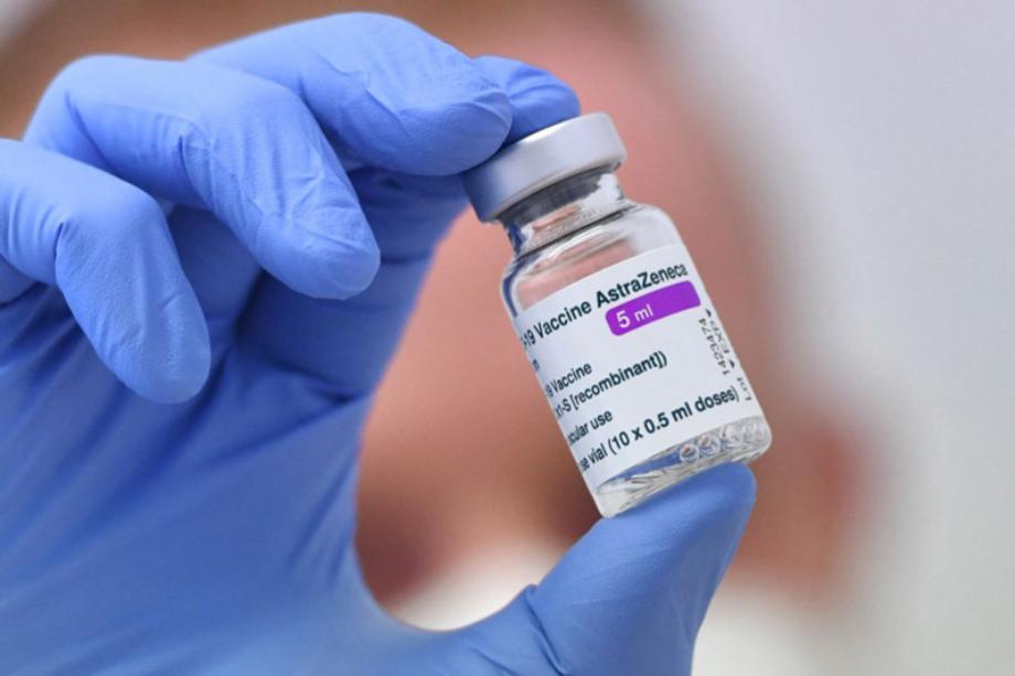 AstraZeneca envisage de demander une autorisation pour une 3è dose de vaccin