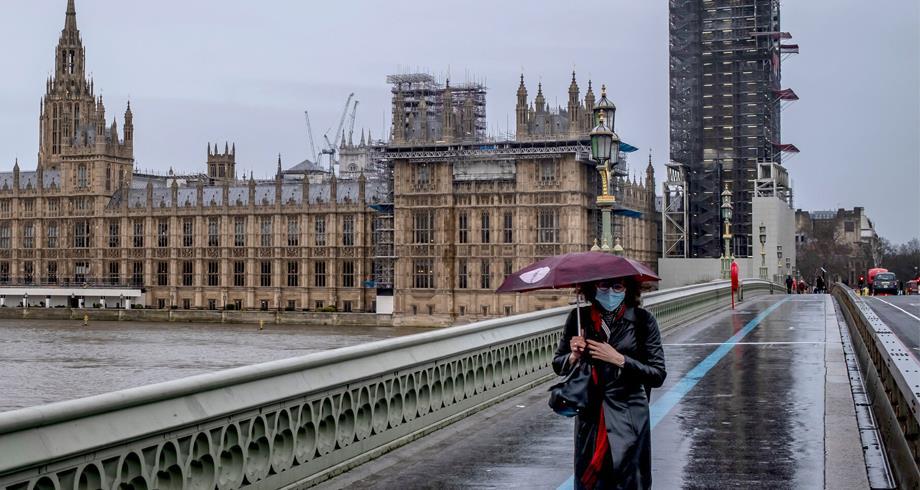 تمديد إجراءات الطوارئ الخاصة بكورونا لستة أشهر إضافية في بريطانيا
