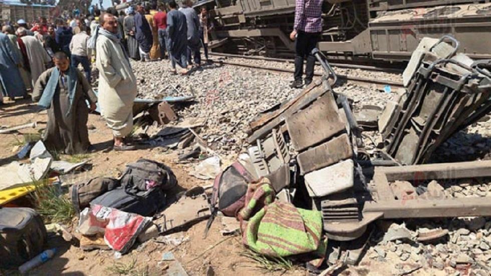 وزارة النقل المصرية تكشف سبب حادث قطاري سوهاج