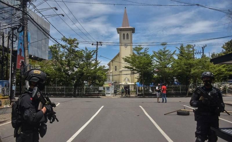 Indonésie: deux assaillants tués dans l'attaque d'une cathédrale