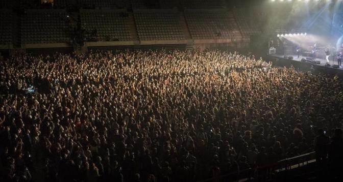 Un concert de 5000 personnes en pleine pandémie !