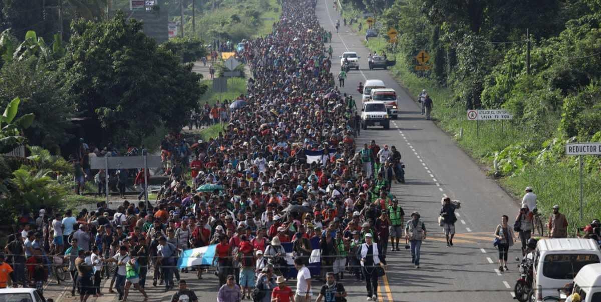 زحف قوافل المهاجرين إلى الحدود المكسيكية ..كيف ستتصرف إدارة بايدن مع هذا الملف؟