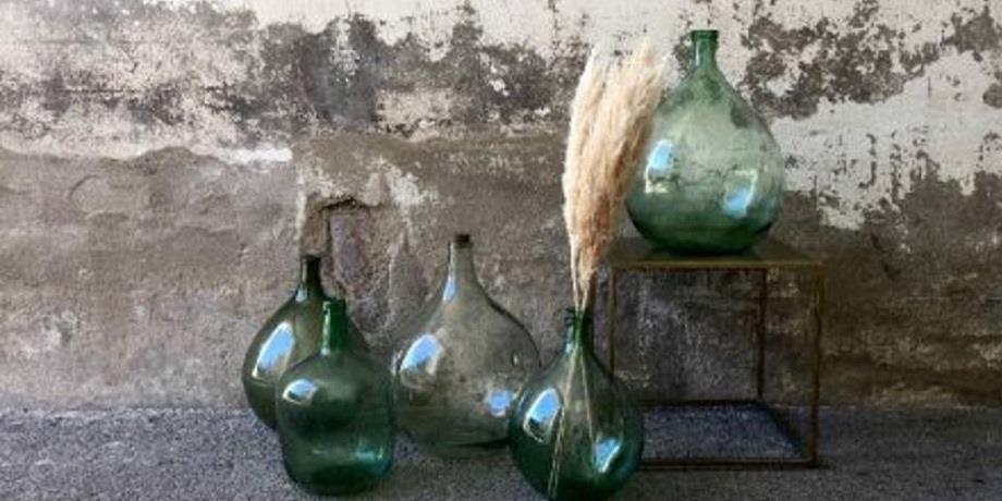 Tanger: des bouteilles en verre qui remonteraient au 14è siècle découvertes à la médina