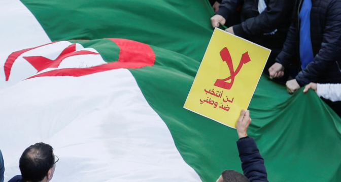 """مقاطعو الانتخابات يرفضون """"أجندة سياسية استبدادية"""" في الجزائر"""