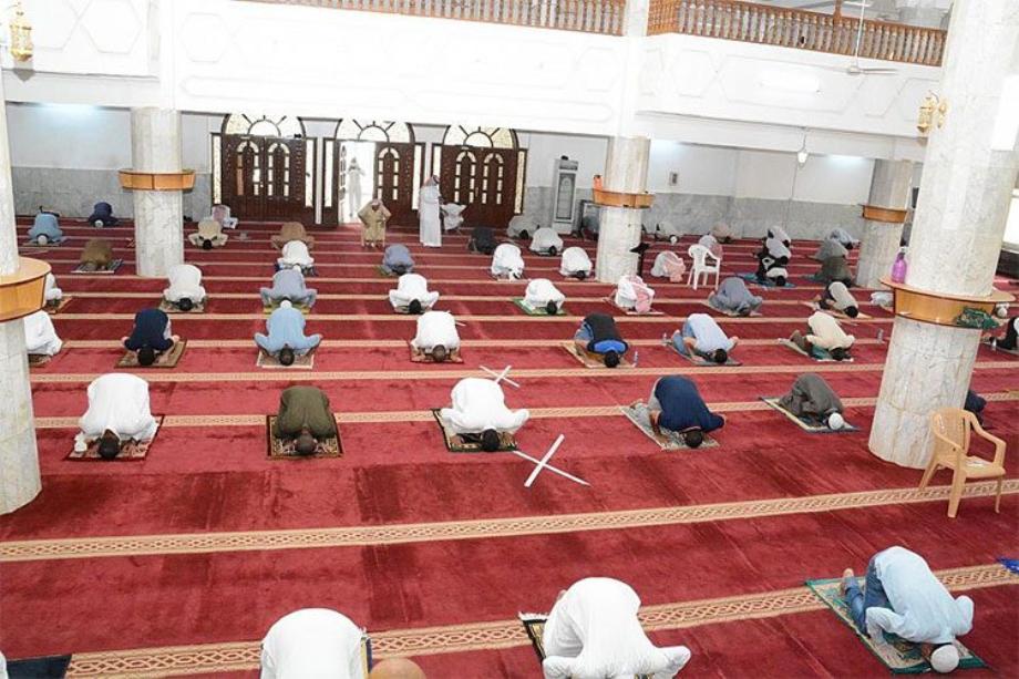 الجزائر تسمح بأداء صلاة التراويح في المساجد بشروط معينة