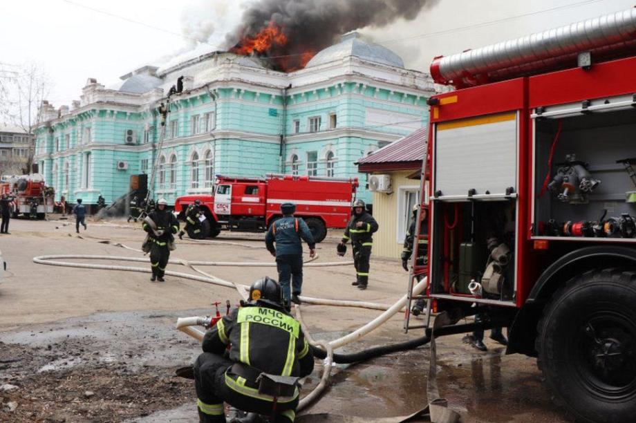 Russie: en plein incendie, des médecins terminent avec succès une opération à cœur ouvert