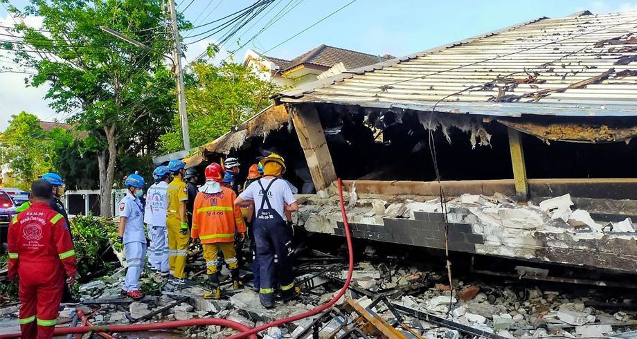 قتلى إثر انهيار مبنى في حي فخم بالعاصمة التايلاندية وعملية الإنقاذ معقدة