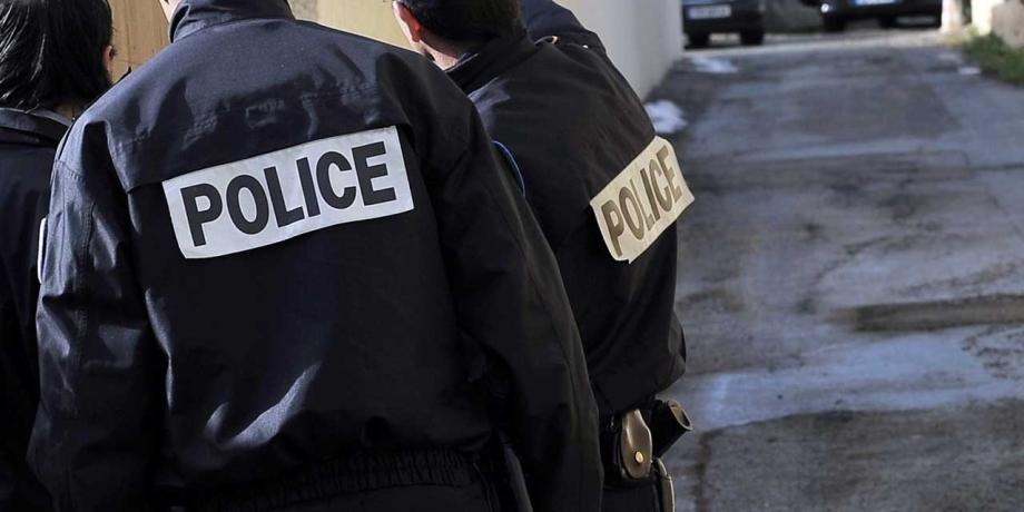 France: interpellation de six membres d'un groupe néonazi pour un projet d'attentat