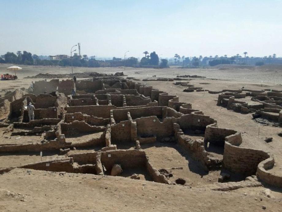 L'Egypte s'apprête à lever le voile sur une ville enfouie depuis 3.000 ans