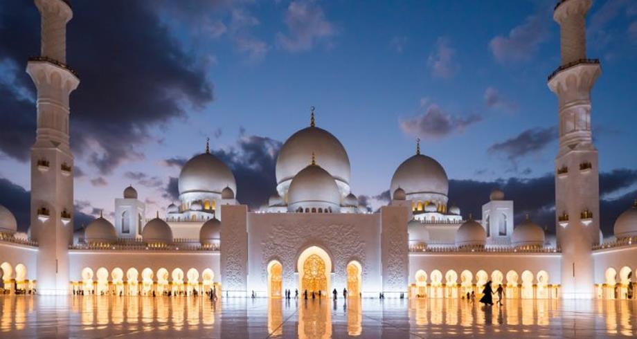 الإمارات تعلن الثلاثاء أول أيام شهر رمضان المبارك