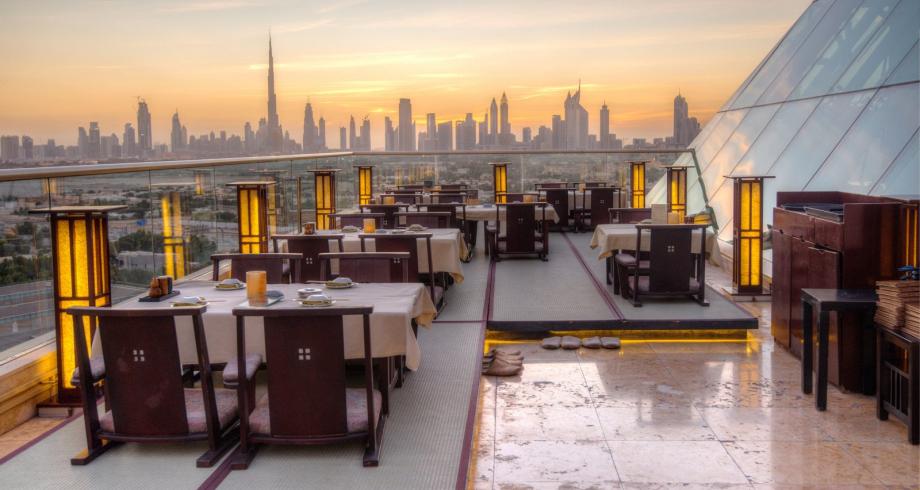 دبي تسمح للمطاعم بالعمل خلال صوم رمضان
