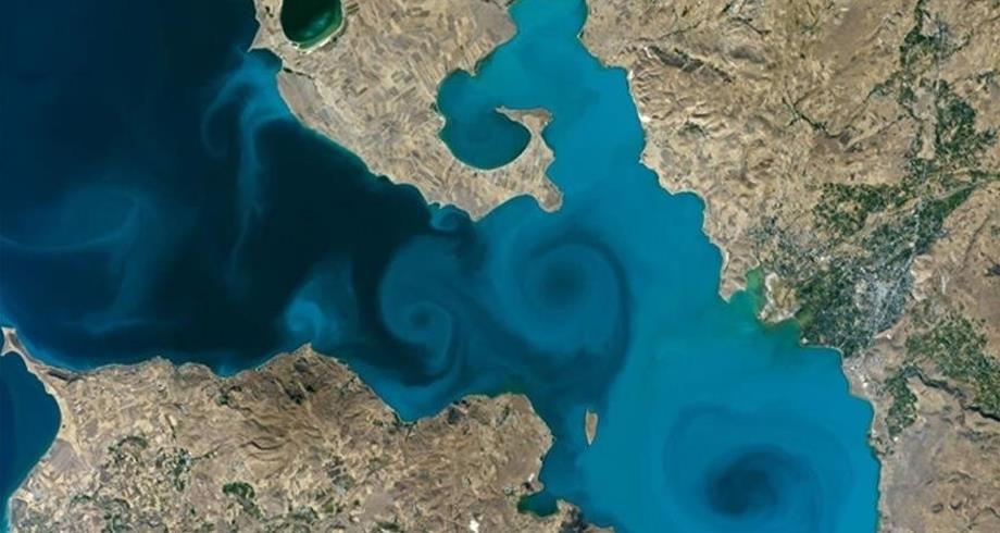 """صورة فضائية لبحيرة """"وان"""" التركية تفوز بالمرتبة الأولى في مسابقة للناسا"""