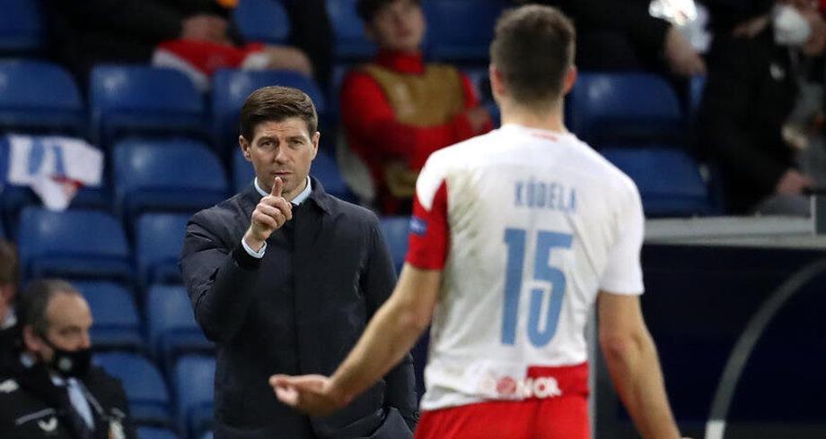 إيقاف مدافع نادي سلافيا براغ 10 مباريات بسبب اتهامات عنصرية