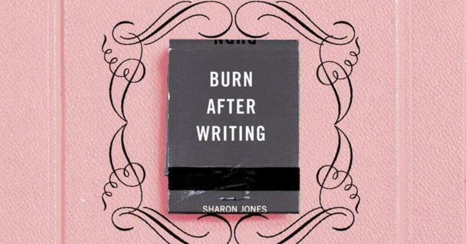 """Le livre """"Burn after Writing"""", nouvelle star des réseaux sociaux"""