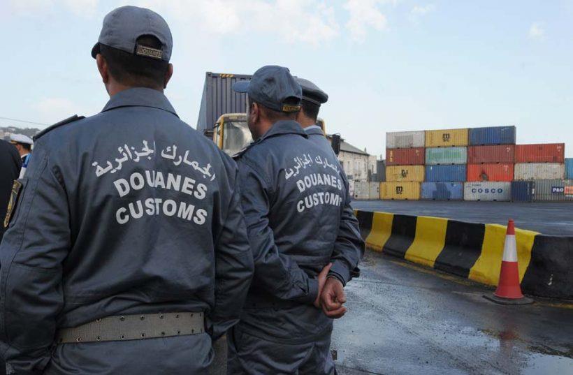 Onze douaniers algériens, dont un directeur régional, suspendus pour suspicion de corruption