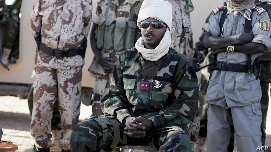 من هو الجنرال محمد إدريس ديبي رئيس المجلس العسكري الانتقالي في تشاد؟