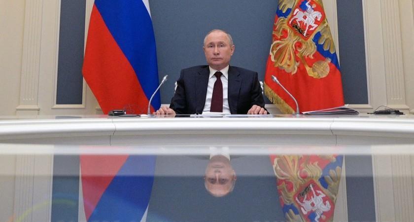 بوتين يعلن عشرة أيام عطلة في روسيا في ماي لاحتواء كوفيد-19