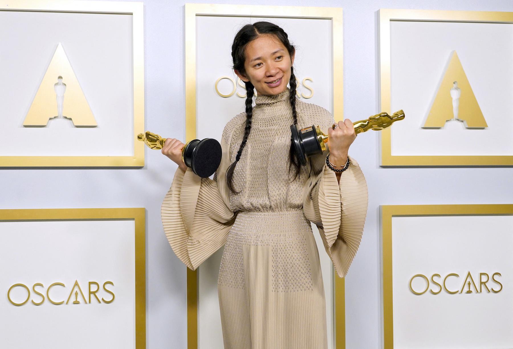 Oscars 2021: Chloé Zhao, première américaine d'origine asiatique sacrée meilleure réalisatrice