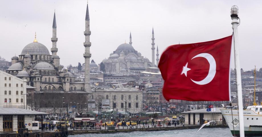 تركيا تفرض إغلاقا تاما لمواجهة كورونا