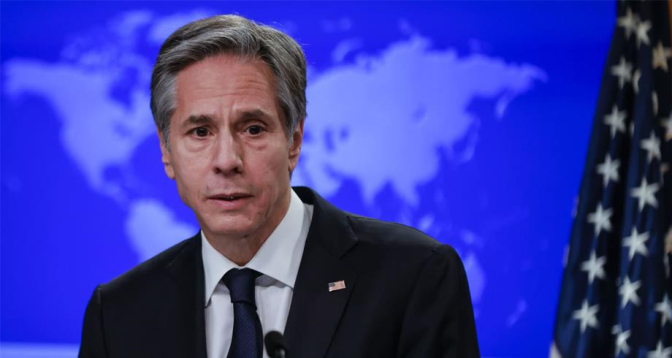 """بلينكن: الولايات المتحدة """"واثقة"""" بأن إيران مسؤولة عن الهجوم على ناقلة النفط"""