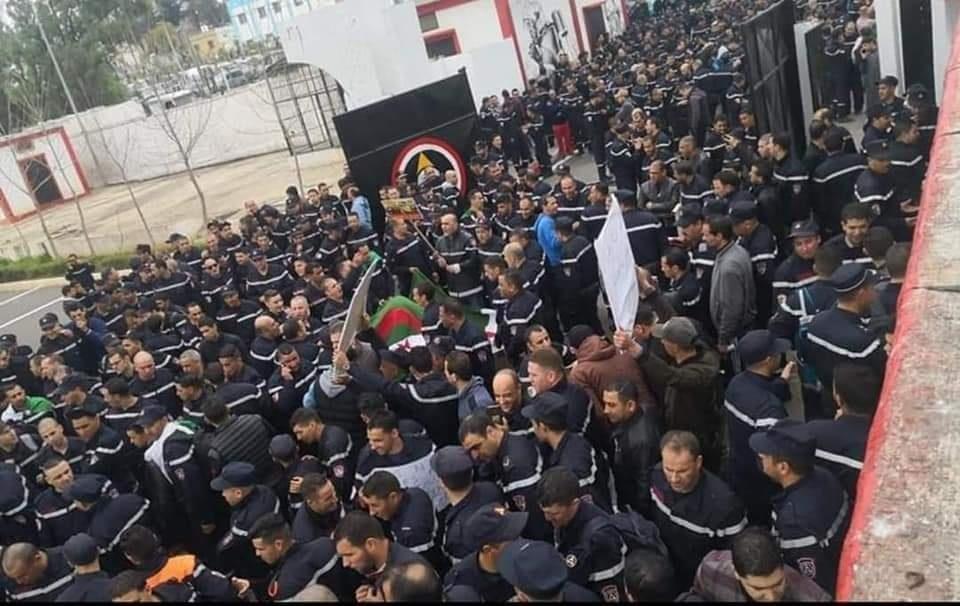 الجزائر: تصعيد في الحركة الاحتجاجية لأعوان الحماية المدنية